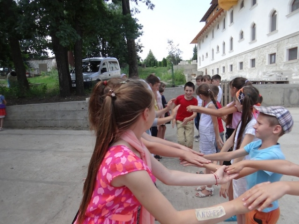 Summer school for vulnerable youngsters in the South of Moldova