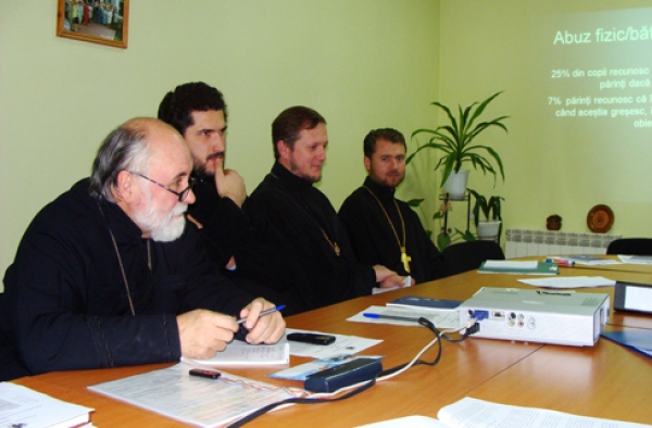 "Round table ""Mobilizing church networks to prevent domestic violence in Moldova"""
